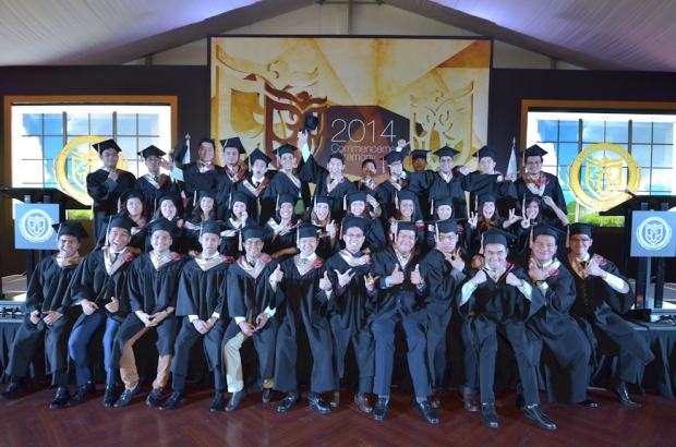 Graduates fron the College of Business, Technology and Entrepreneurship