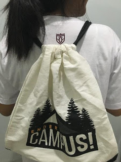 The free string bag that contained the free t-shirt and a survival guide. (Photo by Karlo Rodejo)