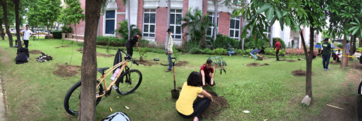 First Fruit-Tree Planting Activity of Enderun Colleges at the courtyard of CA Building (Photo by Jesmaria Sadullo)