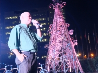 Macky Maceda, and the Christmas sustainabilitree