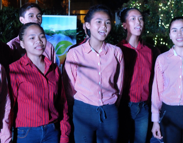 Tuloy Foundation Chorale- Don Bosco, Alabang, outreach partner of Enderun Colleges, light the Sustainable Christmas tree with their honey-toned voices.