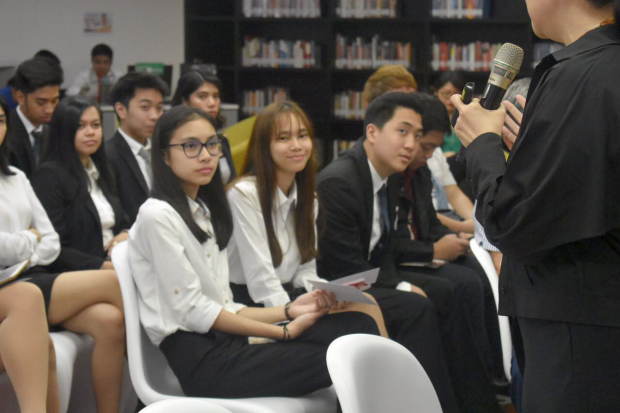 Both college and senior high school students attended.