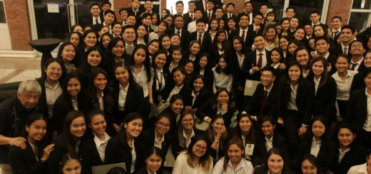 Enderun Colleges President Edgardo Rodriguez together with the Enderun Dean's Listers