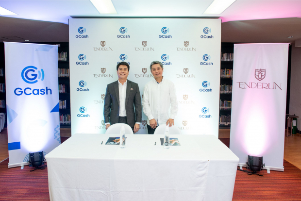 Enderun Colleges Senior Vice President and Co-Founder Daniel Perez and Vice President and Group Head for Enterprise Luigi Reyes during the contract-signing