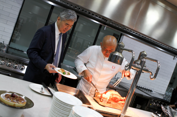 U.S. Ambassador to the Philippines Sung Kim with Enderun Colleges Culinary Head Chef See Cheong Yan